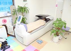 体全体の血行改善してくれる、最新式のウォーターベッドを導入しています